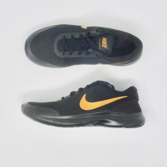 4ef7609979763 Women s Nike Flex Experience RN 7 size 8